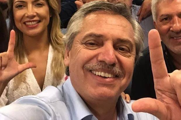 Presidente da Argentina celebra aniversário do PT, diz que sempre confiou em Lula e cutuca Moro