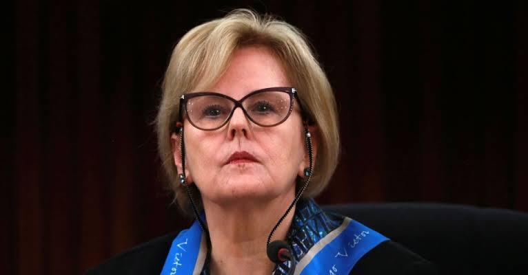 Ministra Weber dá 5 dias para Bolsonaro explicar decreto de armas após contestações de PT e PSOL