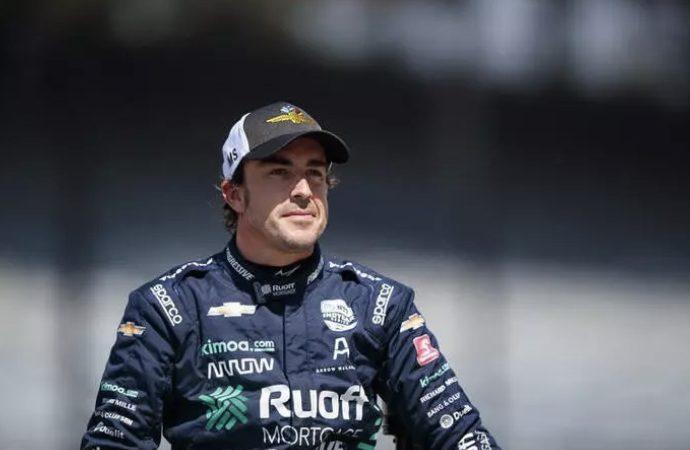 Alonso passa por cirurgia após sofrer acidente de bicicleta na Suíça