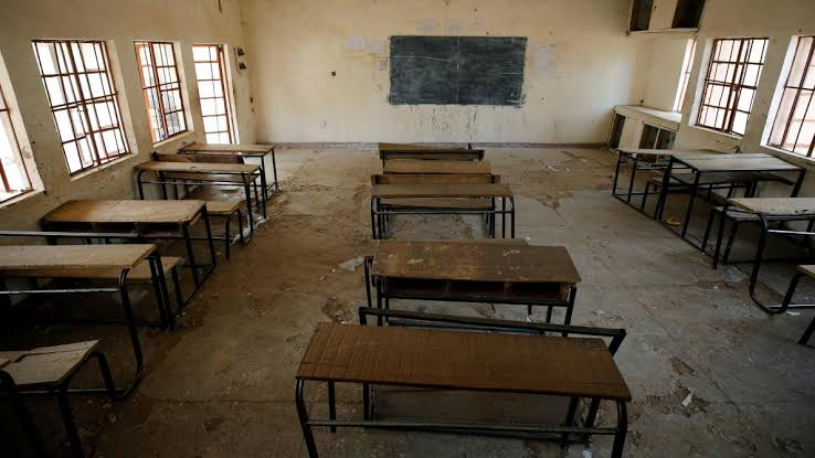 Mais de 300 alunas são raptadas dentro de colégio