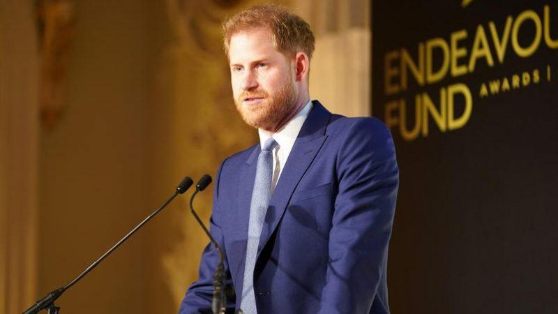 """""""Ambiente tóxico"""", diz Harry sobre sua saída do Reino Unido"""