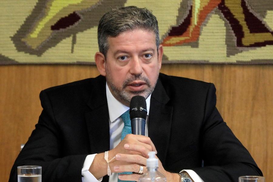 Arthur Lira diz que reação por troca na Petrobras é de 'bolha histérica'