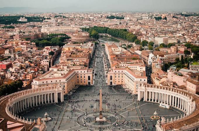 Vaticano recua após dizer que demitiria quem não se vacinasse