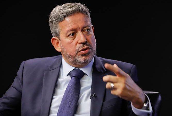 URGENTE – Resposta dura da câmara ao STF com PEC que proíbe prisão, busca e apreensão a parlamentares sem autorização das respectivas casas