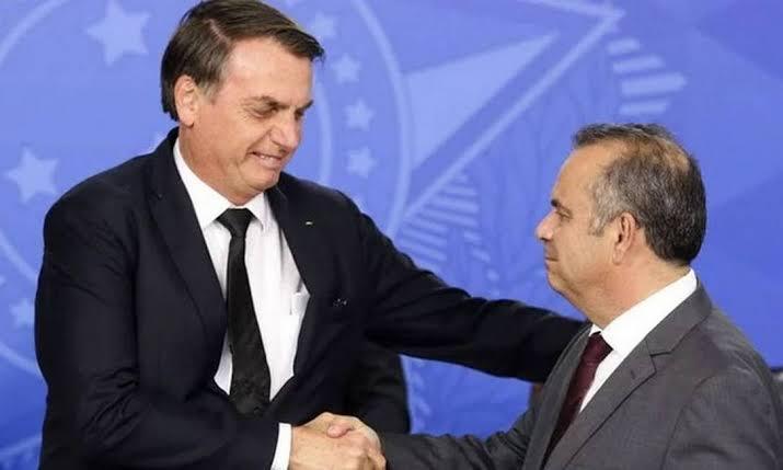 Bolsonaro pede a Rogério Marinho que estude a melhor maneira de implementar mais parcelas do auxílio emergencial junto com Guedes e Onyx