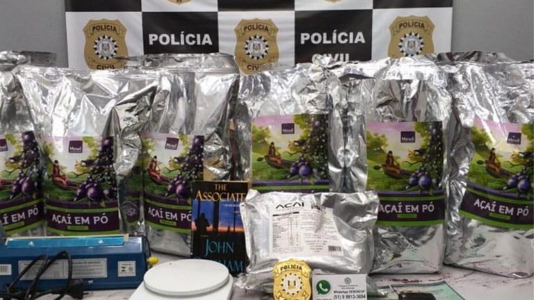 Receita efetua apreensão milionária de Cocaína Negra em pacotes de açaí em pó
