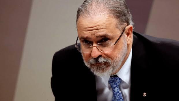 Aras atende PCdoB e abre apuração contra Bolsonaro por negligência na pandemia