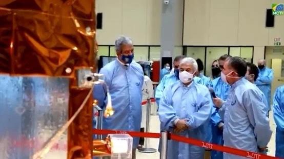 Brasil lança ao espaço primeiro satélite 100% nacional