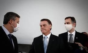 MP da privatização é apresentada por Bolsonaro no congresso