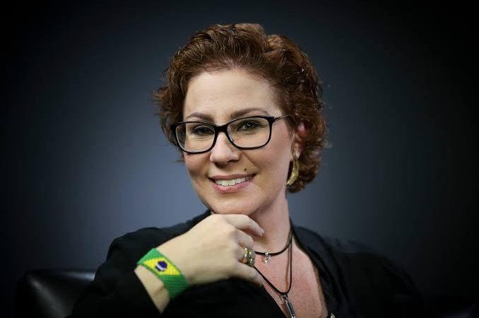 Carla Zambelli tem vitória no conselho de ética da câmara e processo contra a deputada é arquivado