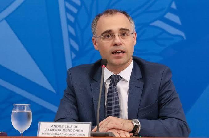 Ministro André Mendonça deve ir para o comando da AGU; delegado Anderson Torres assume pasta da Justiça