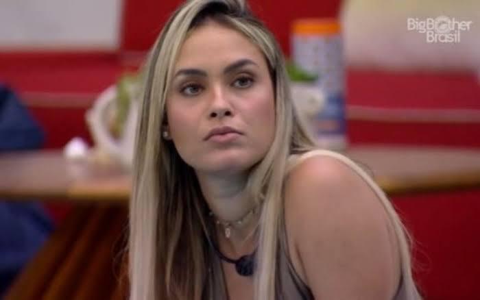 'Espiã' e favorita no BBB, Sarah se revela apoiadora de Bolsonaro
