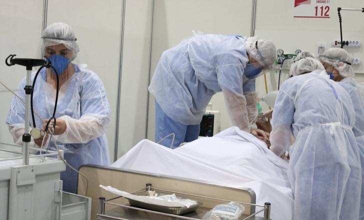 Governo Bolsonaro tem reuniões com indústrias para garantir kit intubação para pacientes com Covid