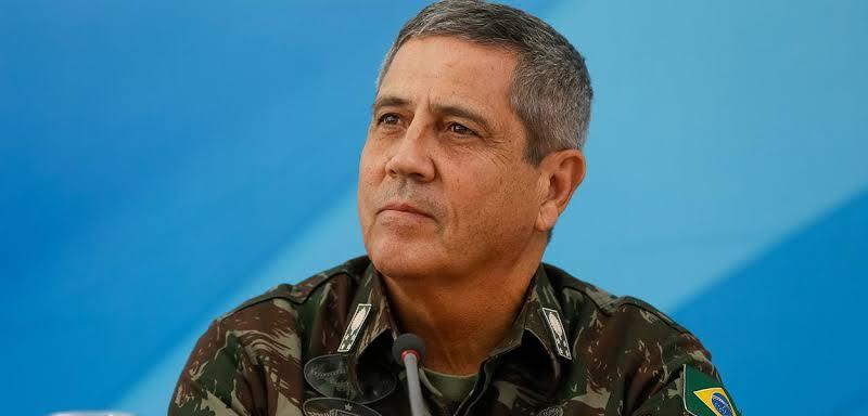 Braga Netto faz 'consulta' de possíveis comandantes das Forças Armadas; veja nomes