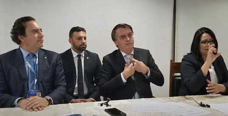 """Bolsonaro diz que entrou com ação no STF contra decretos de governadores: """"Projetos de ditadores"""""""