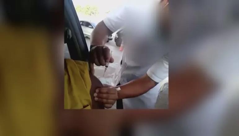 Técnico de enfermagem é afastado após falsa aplicação de vacina contra Covid-19