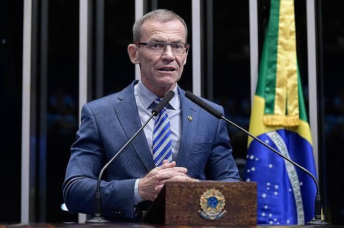 Senador da Rede vai ao TCU para tentar impedir eventos de Bolsonaro