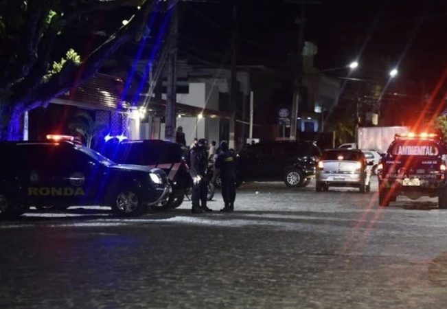 Gerente de bar em Ponta Negra é detido após denúncia e só sai após pagar R$ 5 mil de fiança