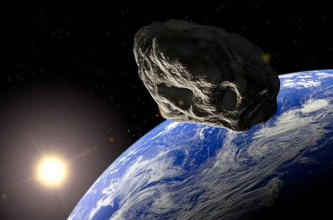 Terror dos cientistas: Asteroide gigante que pode colidir com a Terra em 2068 passará perto hoje