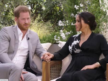 Príncipe Harry compara saída da família real à de Diana e diz temer a 'história se repetir'