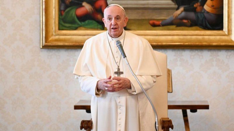 """Papa Francisco diz que irá como """"peregrino da paz"""" para o Iraque"""