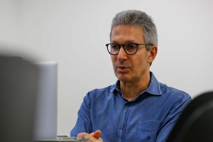 Juiz derruba toque de recolher imposto por Zema em Minas Gerais