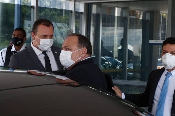 Pazuello expôs vísceras do mecanismo que luta contra o governo Bolsonaro