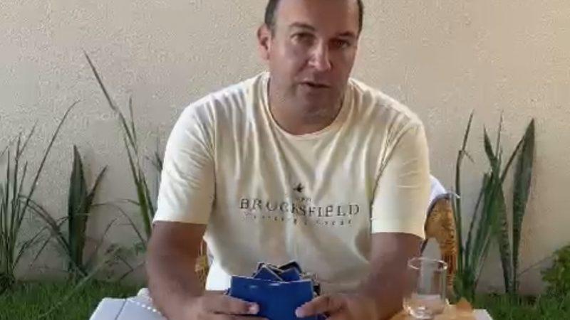 """TRISTE: Empresário dono de restaurante manda recado pra Fátima Bezerra sobre lockdown: """"veja as carteiras de trabalho de 15 pais de famílias que vou ter que demitir"""", VEJA VÍDEO"""