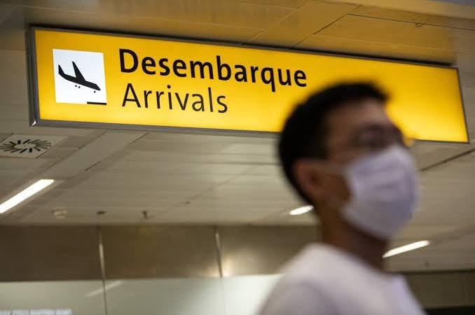 Máscara, cancelamento e reembolso: as regras especiais de voo na pandemia