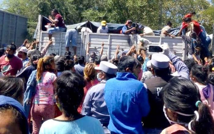 Campo de Concentração: Vídeo Mostra Argentinos Brigando Por Comida