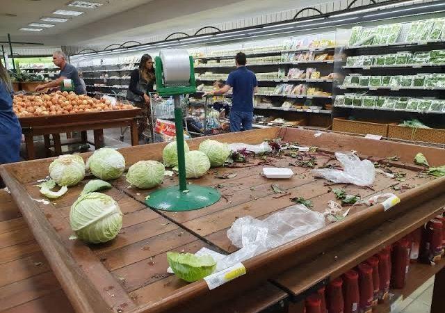 """A Venezuela Gaúcha; """"supermercados estão proibidos de vender itens não essenciais, bebidas alcoólicas estão liberadas"""""""