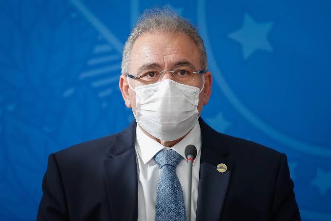 """""""Não há possibilidade de paralisar a vacinação no Brasil"""", garante Queiroga"""