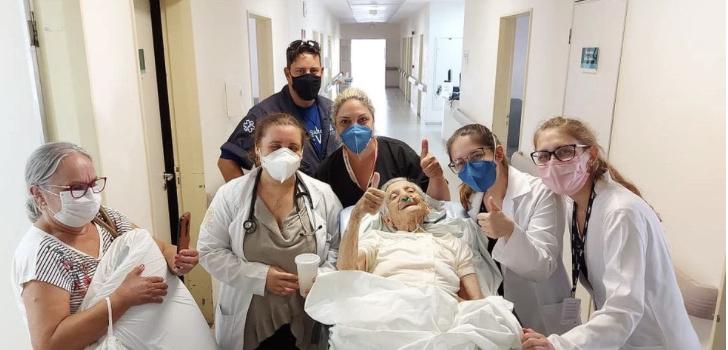 Idosa de 100 anos se recupera da Covid após quase 20 dias hospitalizada