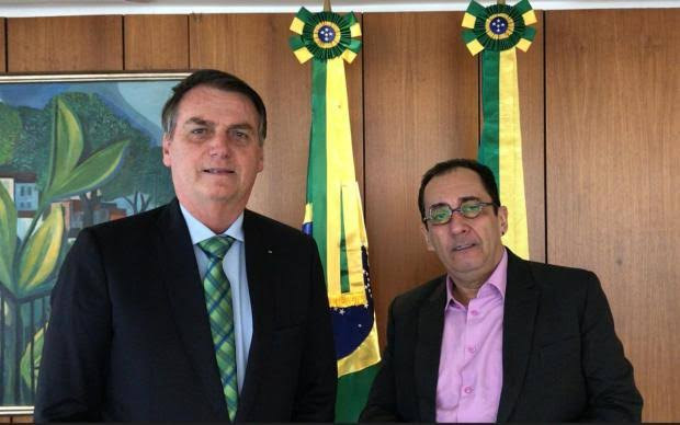 Em ligação com Kajuru, Bolsonaro revela temer 'relatório sacana' e pede que CPI se estenda a governadores e prefeitos; OUÇA A CONVERSA