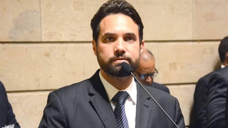 Conselho de Ética decide abrir processo de cassação de Jairinho