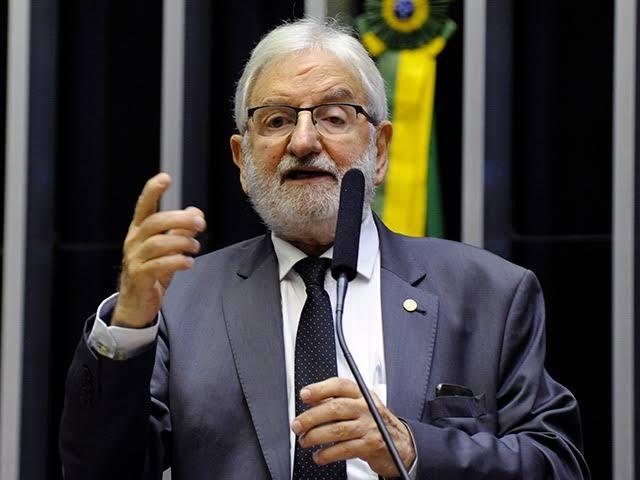 Deputado do PSOL pode pegar até 8 anos de cadeia por denunciação caluniosa contra Flávio Bolsonaro