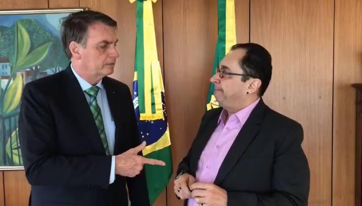"""URGENTE : Prints revelam que foi Kajuru que ligou para Bolsonaro com intenção de prejudicá-lo com um """"grampo""""; VEJA"""