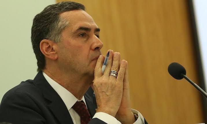 """BOMBA: Roberto Jefferson diz que Barroso teve uma """"crise homoafetiva"""" no momento da determinação de CPI contra Bolsonaro: """"Vamos abrir um impeachment contra esse machão""""; VEJA VÍDEO"""
