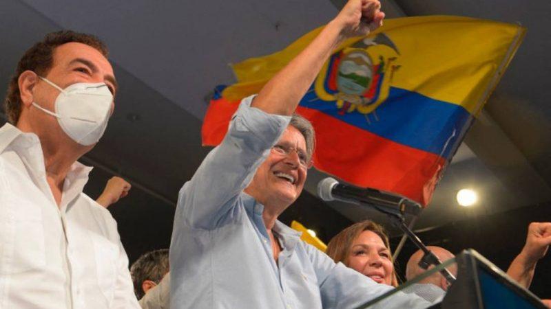 Guillermo Lasso, candidato da direita, é eleito presidente do Equador