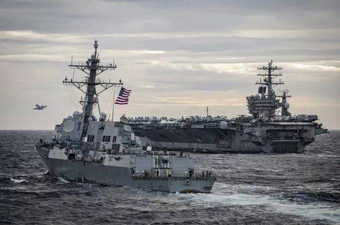 Prontos para o combate: EUA e China colocam no mar porta-aviões utilizados em guerra e aumentam tensões