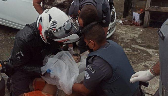 Heróis: Policiais militares fazem parto em favela na zona norte de SP