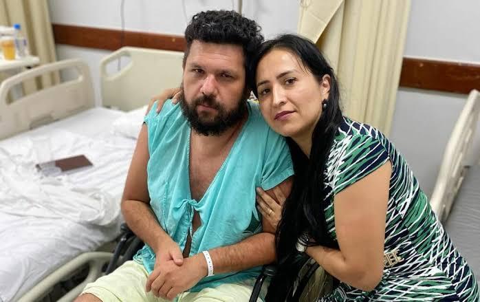 """Esposa de Oswaldo Eustáquio cobra que Boulos e Danilo Gentili recebam tratamento igual ao seu marido: """"Ou a Justiça prende os dois ou liberta Oswaldo. Dois pesos e duas medidas"""""""