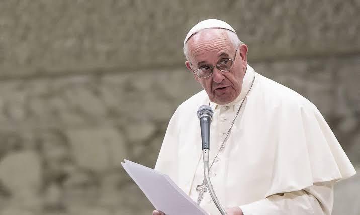 Em missa com presos, Papa diz que compartilhar bens 'não é comunismo'