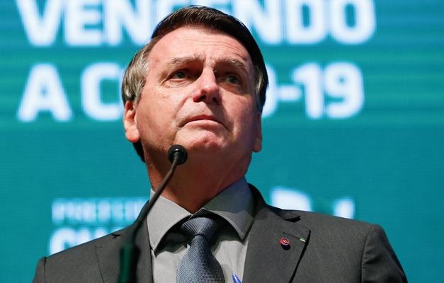 """Bolsonaro: """"Lula só ganha na fraude ano que vem"""""""