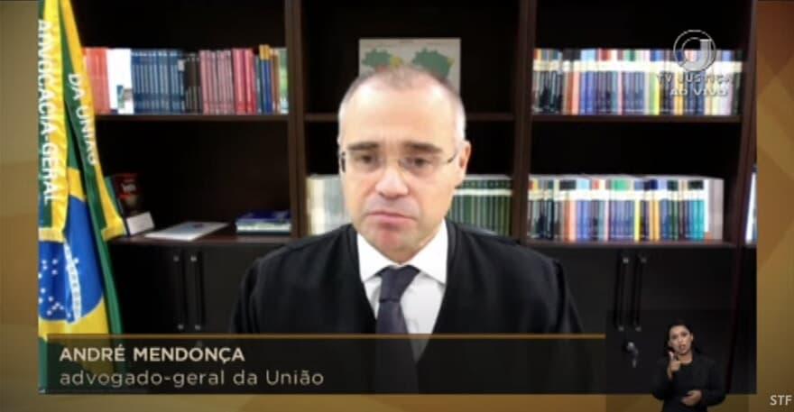STF: AGU André Mendonça faz sustentação oral  emocionante na corte sobre abertura de templos religiosos