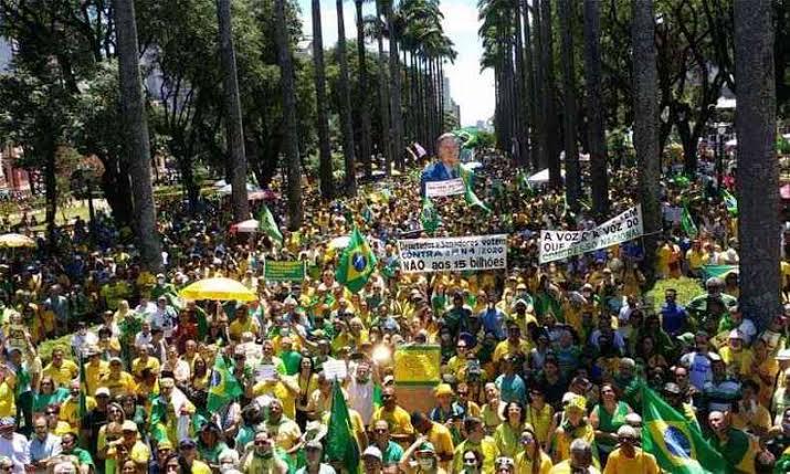 Manifestações no dia 1° de maio estão preocupando a oposição à Bolsonaro, o movimento ganhou força e deve levar milhões as ruas