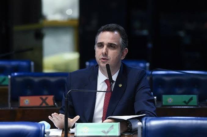 URGENTE – Pacheco irritado diz que decisão de Barroso foi errada, mas vai cumprir