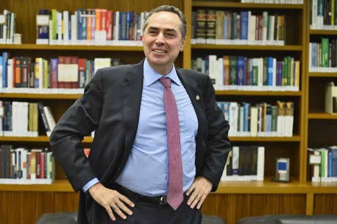 Tiro no pé: STF vai tentar reverter decisão de Barroso no plenário do STF