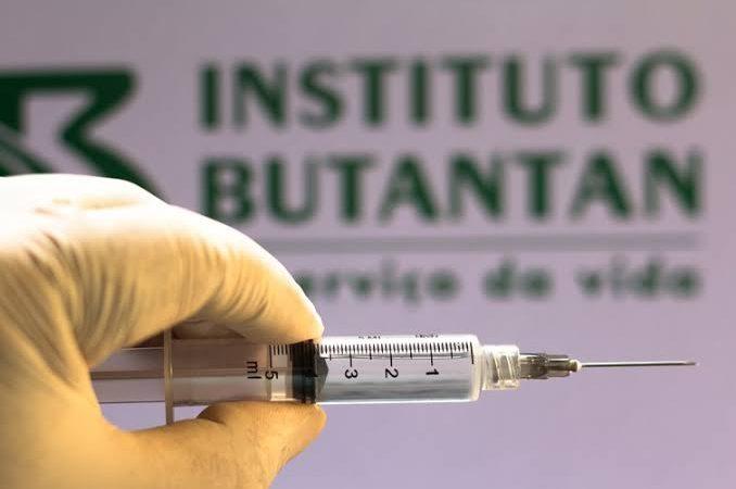 Butantan considera aplicação de terceira dose da Coronavac