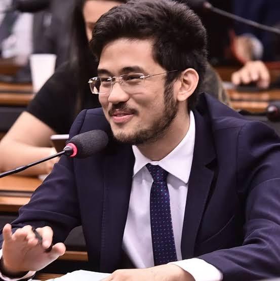 Kim Kataguire pede ao STF que determine um prazo para Lira analisar impeachment de Bolsonaro